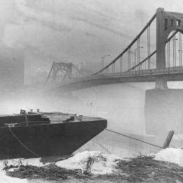 Feb. 24, 1979: Heavy morning fog on the North Side of the Allegheny River. (Donald J. Stetzer/The Pittsburgh Press)