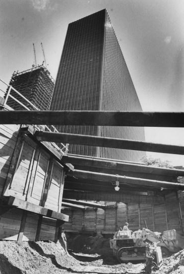 June 2, 1982: The subway tunnel looking toward Gateway No. 4. (Robert J. Pavuchak/The Pittsburgh Press)