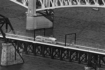 July 7, 1985: A trolly car crosses the new bridge over the Monongahela River from Downtown to the South Side. (Bill Wade/The Pittsburgh Press)