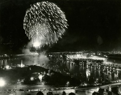 More fireworks illuminate the downtown skies, this time in 1986. (John Beale/Post-Gazette)