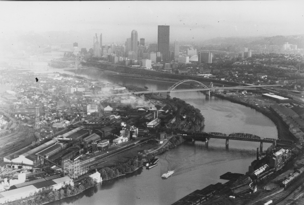November 1984: An aerial view of the remaining South Side industrial areas near the Monongahela River. (The Pittsburgh Press)