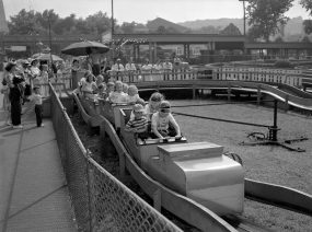 The number of school picnics at Kennywood greatly increased in the 1950s. (The Pittsburgh Press)