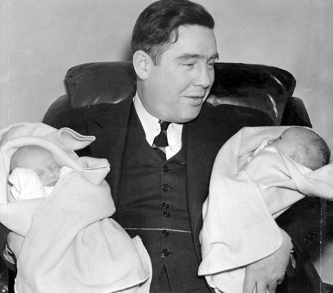Rooney with twin boys Pant and Jim in 1939.
