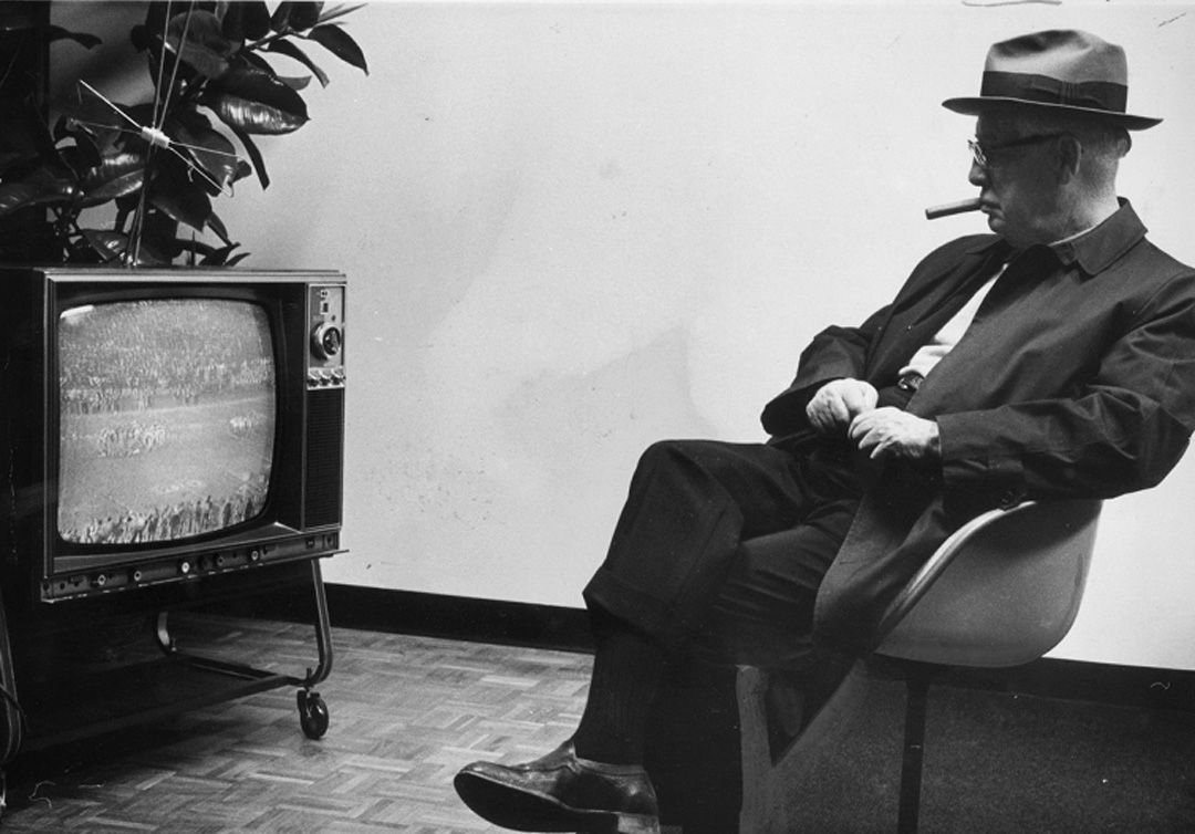 Rooney watching a Steelers game on television in 1972. (Harry Coughanour/Post-Gazette)