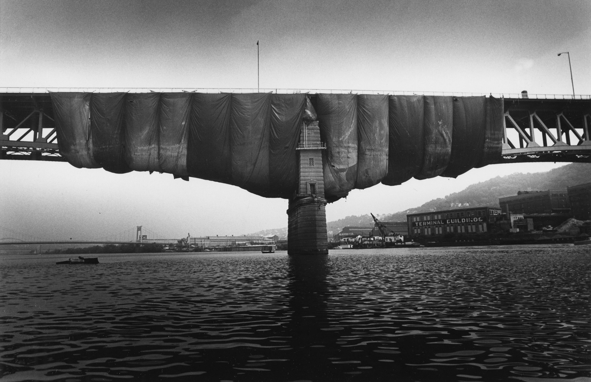 Portions of the Bridge were covered so the bridge could be painted in October 1983. (Andy Starnes/Post-Gazette)