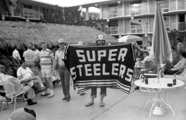 Fans at the Steelers hotel. (Morris Berman/Post-Gazette)