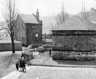 Custodian's house and Fort Pitt Blockhouse on April 10, 1954.