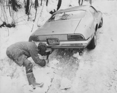 A West End resident works to dig out his Pontiac on Jan. 25, 1978.