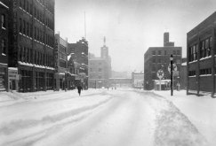 The Boulevard of the Allies was deserted on the weekend after the storm. (Pittsburgh Press)
