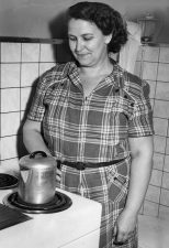 Ethel Lerby at the stove where she made coffee for the escapees. (Post-Gazette archive)