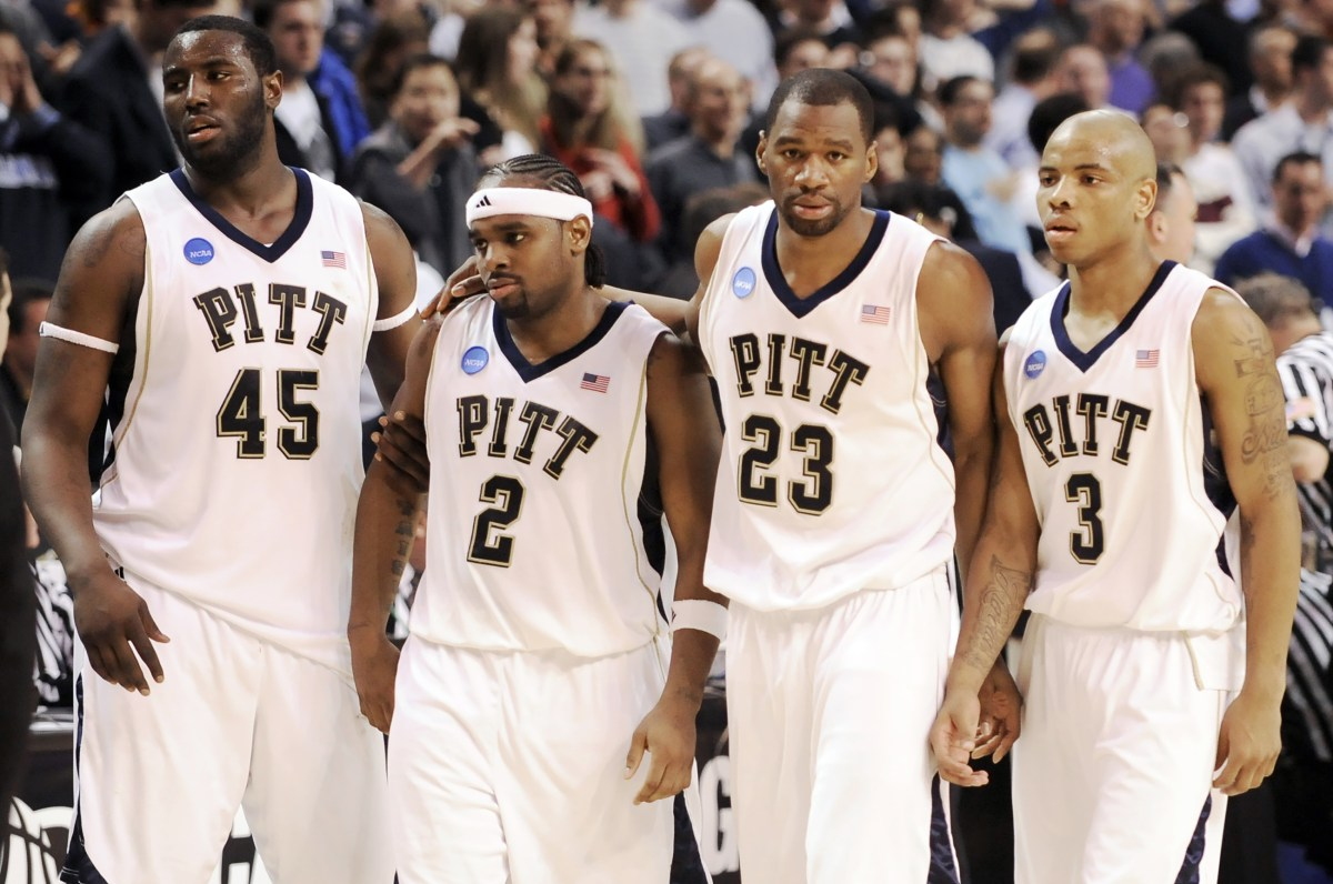 From left, Pitt's DeJuan Blair, Levance Fields, Sam Young and Jermaine Dixon leave the court after losing, 78-76, to Villanova in the Elite Eight, Saturday, March 28, 2009, in Boston. (Matt Freed/Post-Gazette)