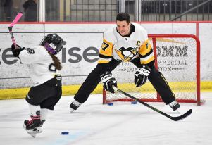 Penguins center Sidney Crosby takes part in his Little Penguins Learn to Play Hockey program, Wednesday, Feb. 12, 2020, at UPMC Lemieux Sports Complex in Cranberry. The program for children aims to engage families in the sport, and connects beginners with free gear and coaching. (Peter Diana/Post-Gazette)