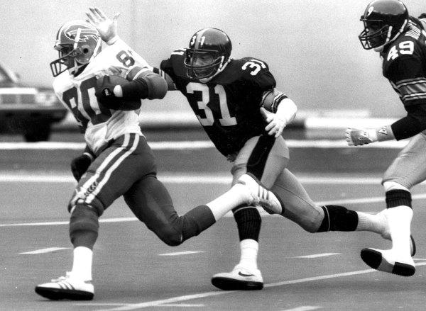 Donnie Shell makes a tackle vs. Buffalo.