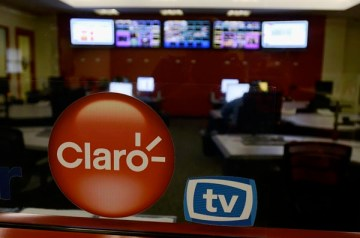 The ClaroTV IPTV service continues is just one of several options included in the new '4-Play' bundle. (Credit: © Mauricio Pascual)