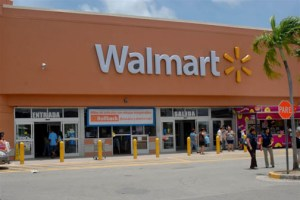 Walmart's Plaza Palma Real mall store is undergoing a significant expansion.