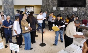 Taxpayers can either pay off their existing debt or set up payment plans at any of the agency's 88 collections centers or via the agency's online tool at www.colecturia.hacienda.gobierno.pr.  (Credit: © Mauricio Pascual)