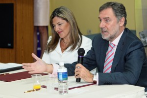 (From left:) Microfinanzas Puerto Rico President Annette Montoto-Terrassa and Manuel Mendeaz del Río-Piovich, chairman of the BBVA Microfinance Foundation.