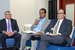 From left: Jorge Padilla, senior vice president of Universal Group, Roberto Martínez, vice president of Triple S, and Fermín Contreras, director of Cooperativa de Seguros Multiples de Puerto Rico during one of the panel discussions.