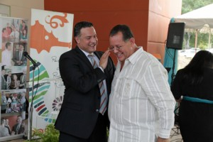 COSSEC President Daniel Rodríguez Collazo and Dorado Mayor Carlos López during the credit union's opening.