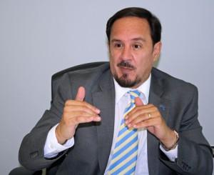 Dr. Hernán Vera