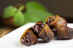 Bacon-wrapped dates are part of Bodega Las Tablas menu. (Credit: Dennis M. Rivera)