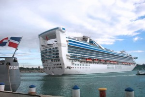 A cruise ship arrives at the Sansouci Port of Santo Domingo. (Credit: http://www.sansouci.com.do)