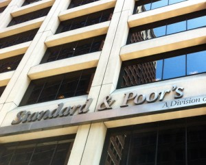 Standard & Poor's warns of a possible default. (Credit: © Mauricio Pascual)