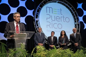 Jorge Pesquera, accepted the award on his father's behalf during Meet Puerto Rico's recently held annual meeting.