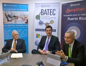 Casarin, general manager of Microsoft Puerto Rico (center), flanked by Columbia Central University officials discuss the new BA program.