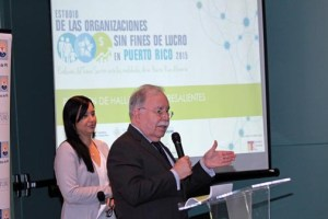 José Joaquín Villamil, president of Estudios Técnicos, outlines the findings of the nonprofits study.