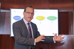 Manuel Bermúdez, president of Aon PR during Thursday's presentation.