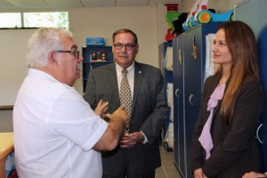 From left: The CEO of the Sor Isolina Ferré Centers, José Luis Díaz-Cotto talks with Ray Flores, regional vice president of AT&T Puerto Rico, and Karla Fuentes, area manager of external and legislative affairs for AT&T Puerto Rico.
