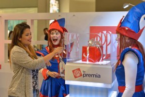 "Cardholders must present receipts at the ""Popular te Premia"" booth at the malls on Dec. 8-22."