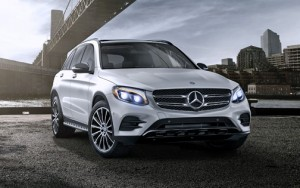 The new GLC combines the ultimate in driving comfort with a sporty touch.
