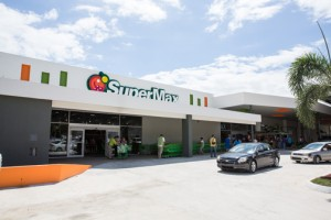 With an investment of $2.7 million, the 32,000 square-foot supermarket is located in the former facilities of a pharmaceutical company in Caguas.