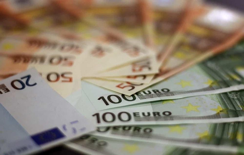 Stipendio Docenti, si cerca di arrivare a 100 Euro netti in più al mese
