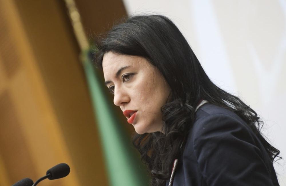 Azzolina, nuovo video della ministra su Facebook per l'emergenza sanitaria