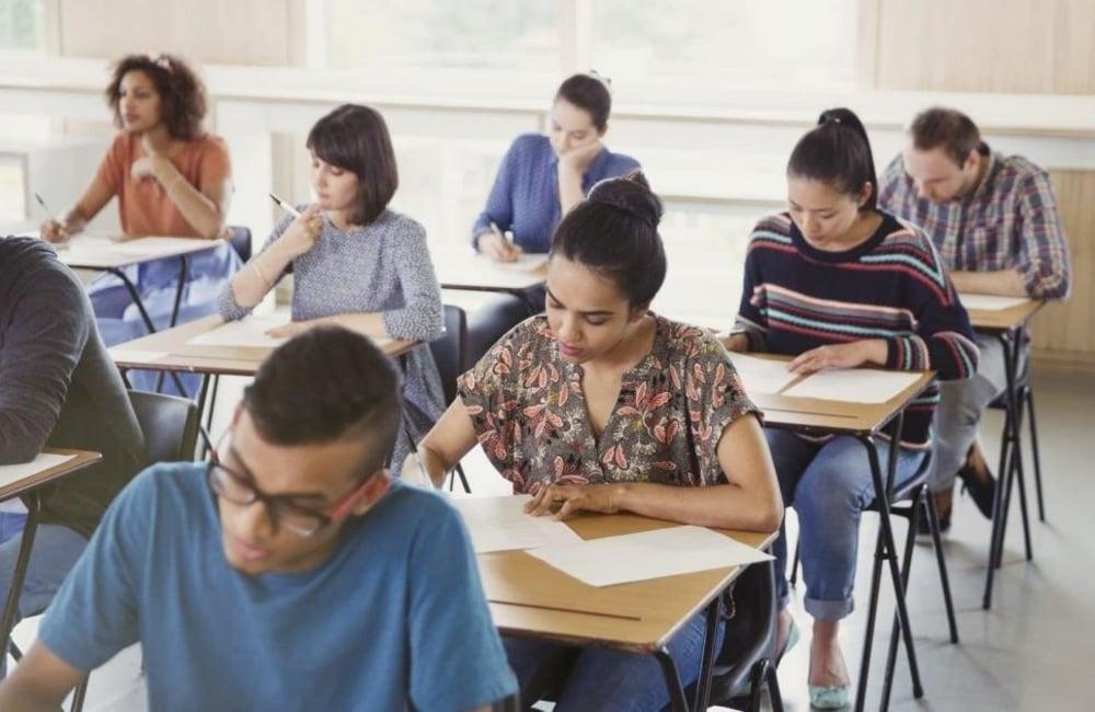 Concorsi scuola 2020, la data del 30 aprile per i bandi rischia di slittare