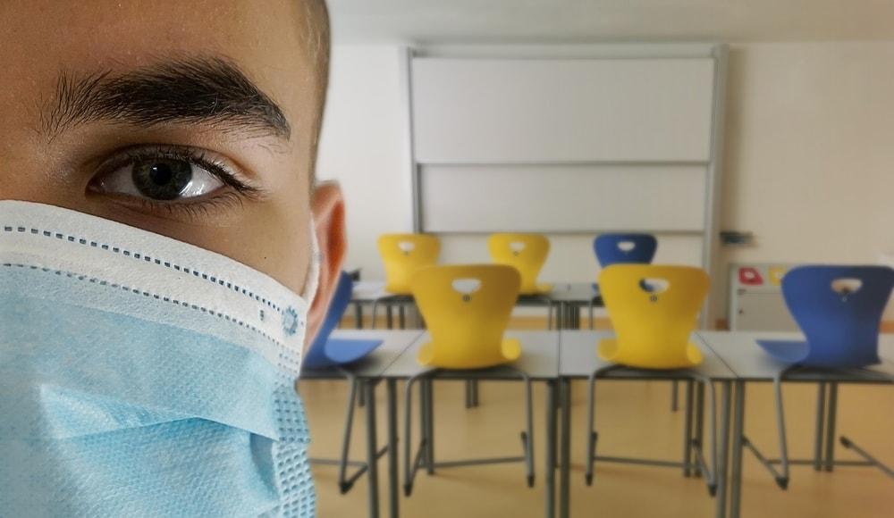 In caso di studente positivo al Covid tamponi e non quarantena: nuova ipotesi anti-Dad