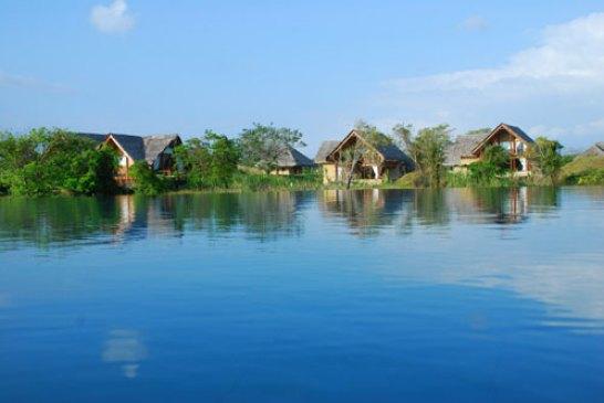 Vil Uyana Sigiriya Sri Lanka - Lake View