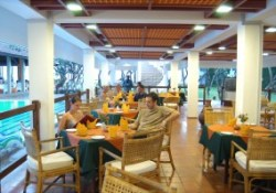 Cafe at the Club Dolphin Negombo
