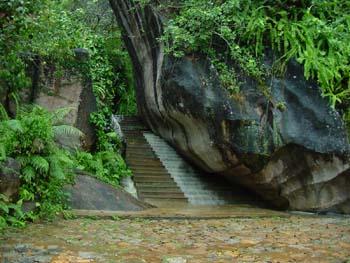 Boulder Garden Hotel Resort Kalawana Sri Lanka