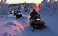snowmobile-safari-lapland-wilderness-in-rovaniemi-1