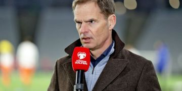 De Boer's response clear after Van de Beek failed to follow Man Utd advice