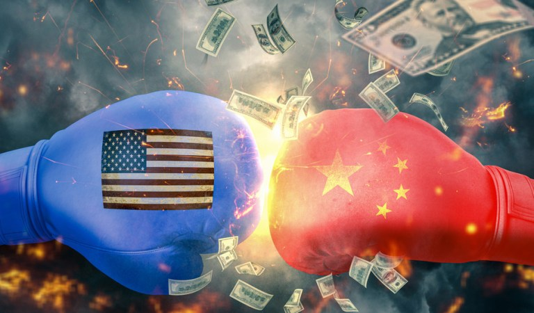 US & China moving from tariff war to technology war, economics professor tells Boom Bust