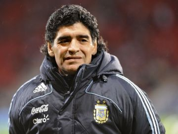 Maradona's doctor sent back ambulance nurses called for him 11 days before death