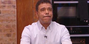 "Chris Kamara undergoes dementia scan after suffering with ""brain fog"""