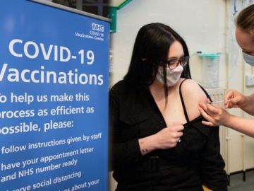 Vaccine roll-out: Under-50s to start getting jabs THIS WEEK - When will you get vaccine?