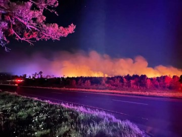Evacuations lifted for 100-acre Bastrop County wildfire