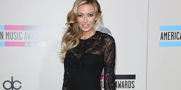 Paulina Gretzky Sizzles In Button-Down Mini Dress For Stunning Beach Pics With 'Best Friend' Jeremy Cohen